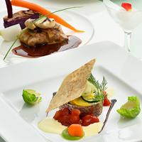 【Three Dining】人気のThreeメニューから選ぶリゾートディナー