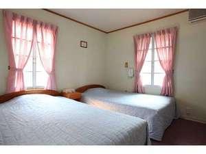 【エリカ】 セミダブルツインルーム(2階角部屋)