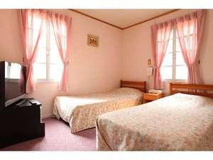 【ベゴニア】 セミダブルツイン・24時間風呂付(1階角部屋)