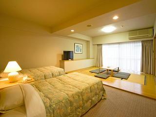 2ベッドと畳の間(ワイド)【和洋室A(禁煙)】