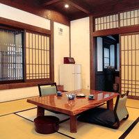 【別邸1階 当主の間】陶器風呂付き・和室10畳