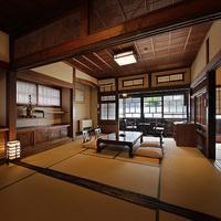 【川側客室】温泉街と銀山川を眺める二間続きの和室