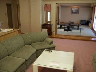 特別室 和室12.5畳+洋室ツイン(バス+トイレ付)