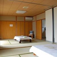和朝食付き 16畳のゆったりとした『和風コテージ続き部屋タイプ』に泊まる