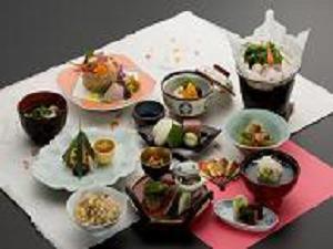 【2食付】★月替り献立の和食膳「三山遊膳」プラン★