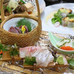 【おふたり様限定】華やかな合わせ盛りのお料理をふたりで取り分けながら食べる♪仲良しカップルプラン