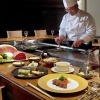 """【贅を尽した""""美食""""】シェフ一押しの洋食ディナー 〜フルールコース〜"""