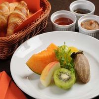 【2食付き】『4種から選べる朝食』+『6種から選べる夕食』付!源泉掛け流し天然温泉でリフレッシュ!