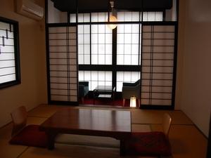 朝、夕はもちろん夜景も見える☆宮の間 3階 本室<8畳>