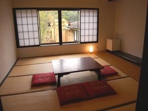 古き良き昭和の趣、落ち着いた雰囲気☆宮の間1階<12.5畳>