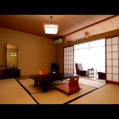 和室10畳(バス・トイレ付き)【Wi-Fi 無料】