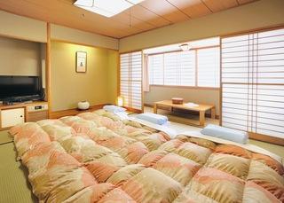 10畳和室を1名利用!お風呂・トイレは客室内別々設置でゆったりプラン♪【ポイント10倍】
