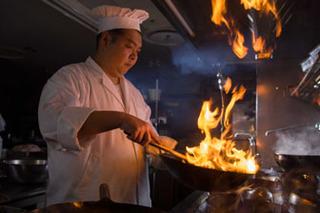 【伝統の四川料理】夕食&朝食バイキング 1泊2食付