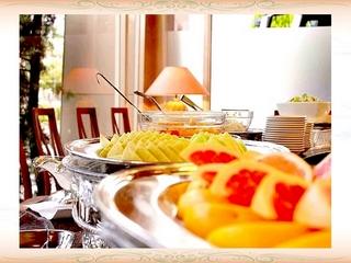 【期間限定 駐車場無料】ご夕食は、お手頃価格のフレンチコースをセットした1泊2食プラン