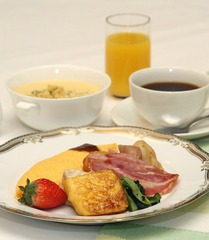 【平日限定!】明日のお仕事にパワーチャージ!ステーキ夕食と朝食ビュッフェ付ビジネスプラス+