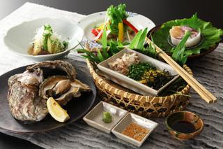 九兵衛の絶品シリーズ・庄内の夏の海の幸といえば岩ガキ【岩牡蠣の膳】源泉かけ流しと手づくりできたて料理