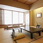 【秀峰・大山を臨む】高層階スタンダード東館客室(和室10畳)