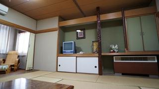 レトロフロア和室10畳(バス・トイレ付)