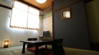 モダンフロア6畳和室(バストイレ共同)