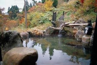 【学生旅行】◆一泊二食◆スキー場に一番近い宿!源泉掛流しの湯が7つ入り放題♪学生プラン【すべっ得】