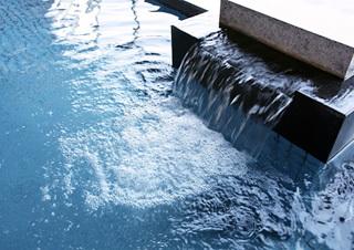 嬉野温泉は無色透明の「重曹泉」