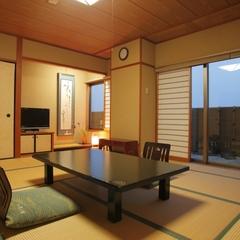 ◆街の夜景と大山を望む♪◆街側 和室 10畳 風呂無し