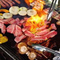 【星空BBQ☆】特産品の大山地鶏やラム肉も♪嬉しい☆飲み物持込み自由(*^^)v雄大な自然で乾杯!