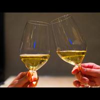 お誕生日や記念日にちょっと嬉しいサプライズ!お夕食時に乾杯酒をプレゼント