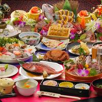 【七福コース】 全館畳敷きの宿で 海鮮鍋、カニなどの魚介類を楽しむ     海水浴場まで歩いて5分
