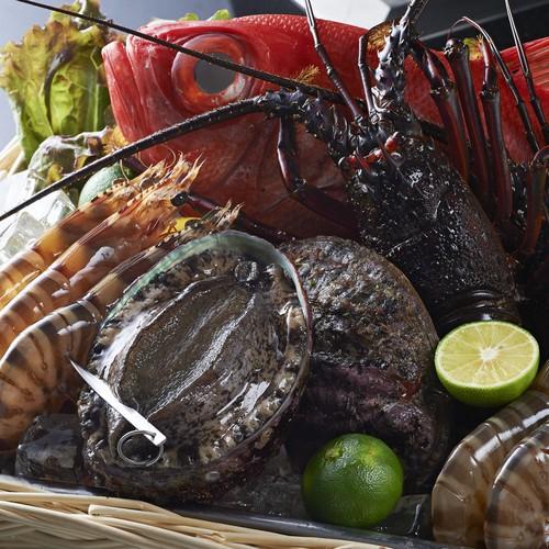 【鉄板焼最上級ディナー付】鮑・伊勢海老・黒毛和牛などを味わう宿泊プラン