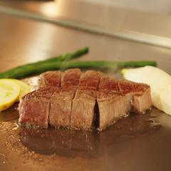 【鉄板焼料理長特選】金時人参のポタージュや寒鰤のソテーを黒毛和牛と共に味わうコース付プラン