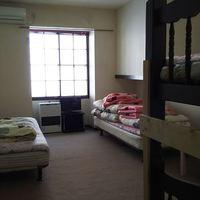 4名部屋【ベッド2台・二段ベッド1台】