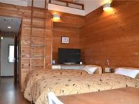 A室8畳 ツインルーム【ロフトご利用で3名様可】