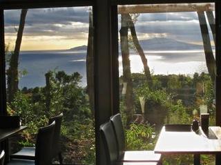 【素泊まり】おしゃれな素泊り別荘形式コンドミニアム。海、大島一望のオーシャンビュー4m吹き抜け