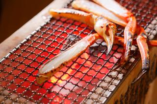 (2018冬)【1泊2食付】 産直焼き牡蠣と焼きガニを食して、天然温泉も楽しむプラン