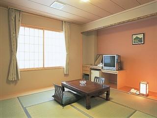 汐さい館(新館)和室10畳(冷房7月中旬〜8月運転)
