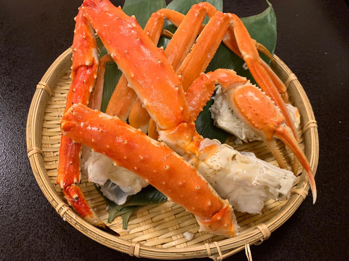 ずわい蟹とたらば蟹の食べ比べ
