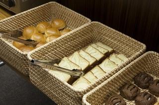 【当日限定】当日駐車場無料プラン♪パン・コーヒー・オレンジジュース・紅茶の軽朝食無料♪