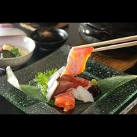 【日本海の絶景】×【魚菜会席】迷ったらコレ!当館名物の土鍋漁師ごはん&厚切り地魚刺身◎<基本>
