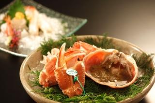 経ヶ岬沖産松葉蟹をお刺身、炭火焼でお召し上がり☆選べる鍋料理付き冬の欲張りプラン