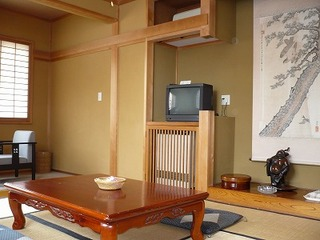 和室9.5畳〜10畳/洗面・トイレ付