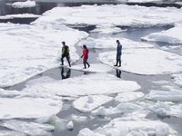 1泊2食・流氷ウォークプラン その上を、歩いて感じる流氷の息吹。そして朝夕は海辺のレストランで…