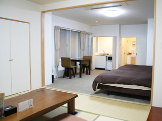 【ファミリー・和洋室・禁煙】ベッド2台(幅120cm)
