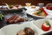【伊豆牛ステーキ・お造りプラン】デザートはホールケーキ!ステーキ、お刺身で記念日にも◎