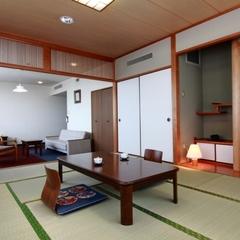【特別室 和室】広くて夜景が綺麗なお部屋です。
