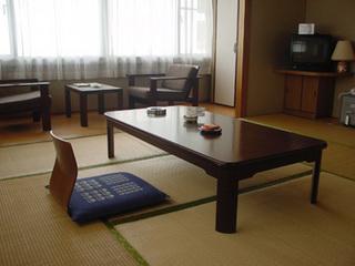 【和室8-10畳】トイレ付きの過ごしやすいお部屋です。