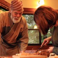 【仙人さんのお箸作り】屋久杉を削って箸作り体験♪<素泊まり食事なし>