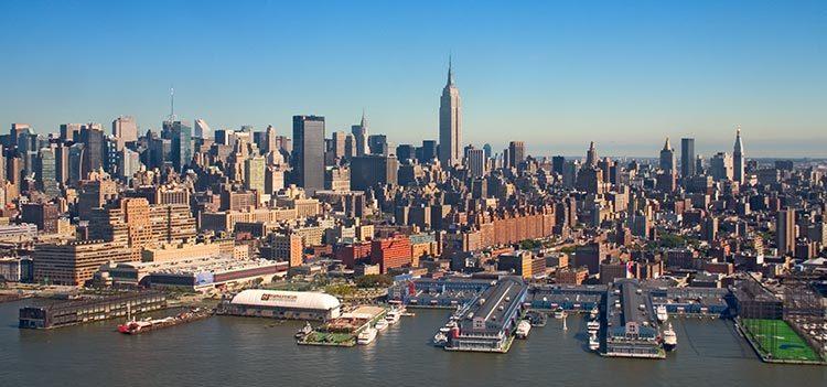 ニューヨークとビルの喧騒