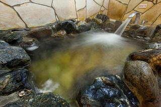 【コロナ対策強化】★岩風呂和室は家族みんなの温泉旅行!◎嬉しいレイトアウトでドリンク特典付き!素泊り