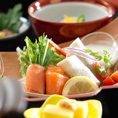 ◆【定番会席おきらく膳】源泉かけ流し100%美肌の湯をお手軽に♪【夕朝食付】